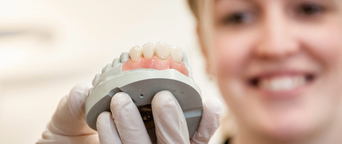 Cosmetic Restorative Implant and General dentistry in New Plymouth, Taranaki